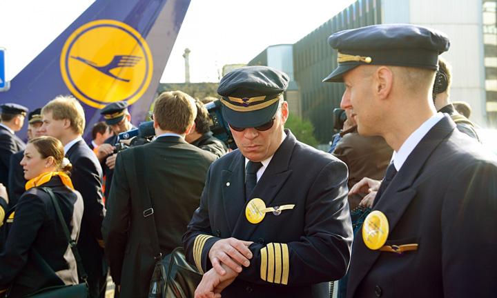 greva lufthansa Greva pilotilor costa Lufthansa 20 de milioane de euro