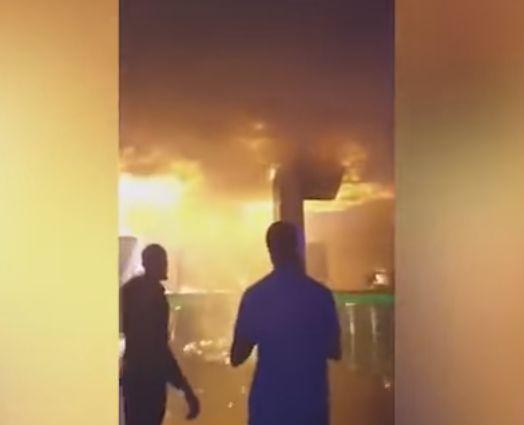 incendiu Tavanul unui club in care erau 250 de oameni, cuprins de un incediu puternic, in Ucraina