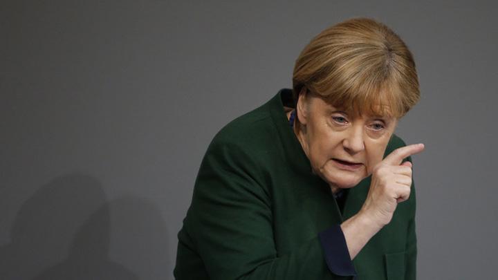 merkel4 Merkel vrea sa deporteze 100.000 de emigranti