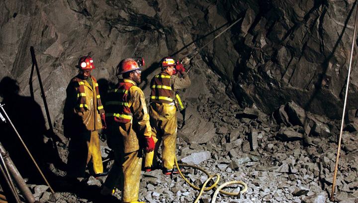minerit Ciolos, sluga la doi stapani!