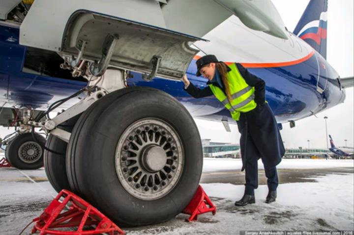 pilot 3 La 23 de ani, este cea mai tanara femeie pilot din Rusia
