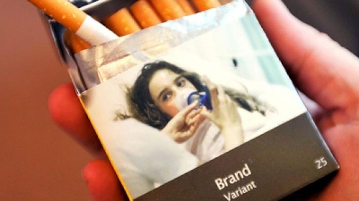 plain cigarette packaging 46012200 Pachetele neutre de tigari invadeaza Franta