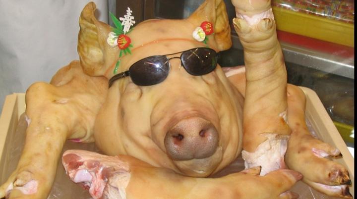 porc 55747500 Porcul de Craciun, mai mult de import!