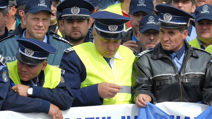 protest politisti Salariile de merit de la Interne, monopolul liderilor de sindicat!