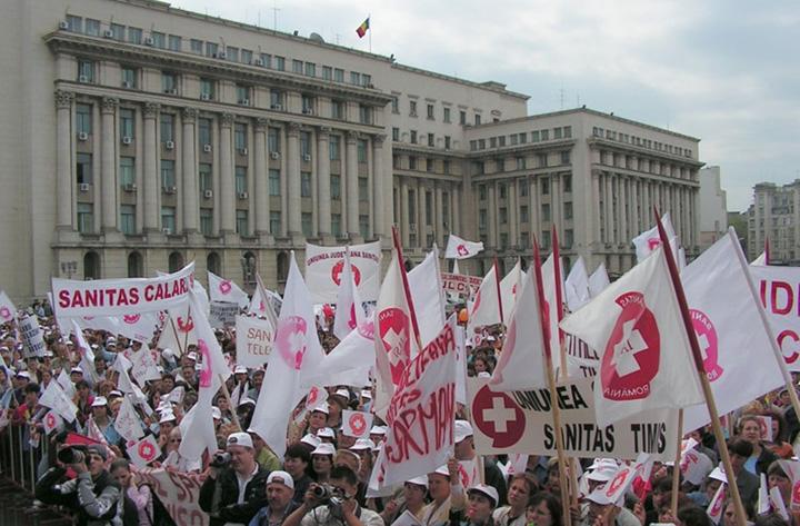 protest Sanitas Pentru cine face Vlad Voiculescu noi spitale!