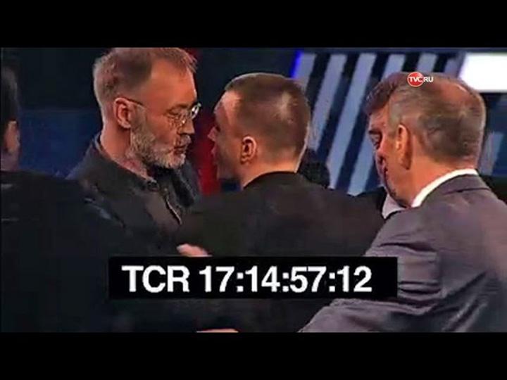 sddefault Un ziarist polonez  felicita Romania, dar e luat la pumni in direct!