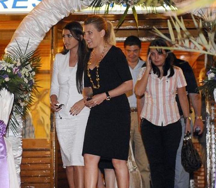 """sefa AEP petrecere PDL DNA cauta """"scheletii"""" lui Basescu in dulapurile sefei Autoritatii Electorale"""
