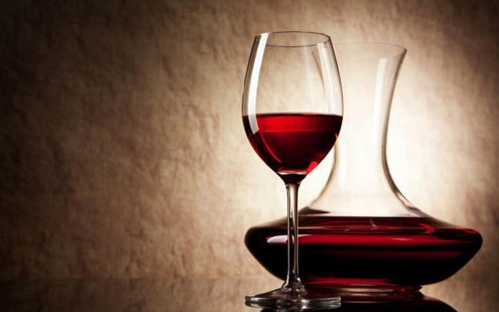 vin rosu1 Un pahar de vin rosu face cat o ora de sport