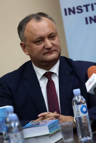 15181231 1775457376028482 5714507144150325276 n dodo 336x500 Dodon insista ca l va lasa pe Basescu fara cetatenia moldoveneasca