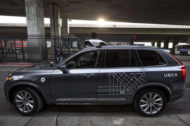 920x9201 Americanii interzic masinile autonome Uber!
