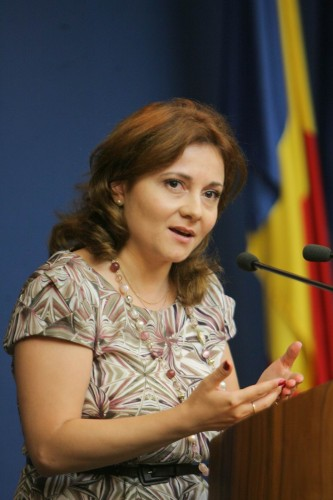 Cristina Traila 333x500 PNL e plin de candidati PeNaLi