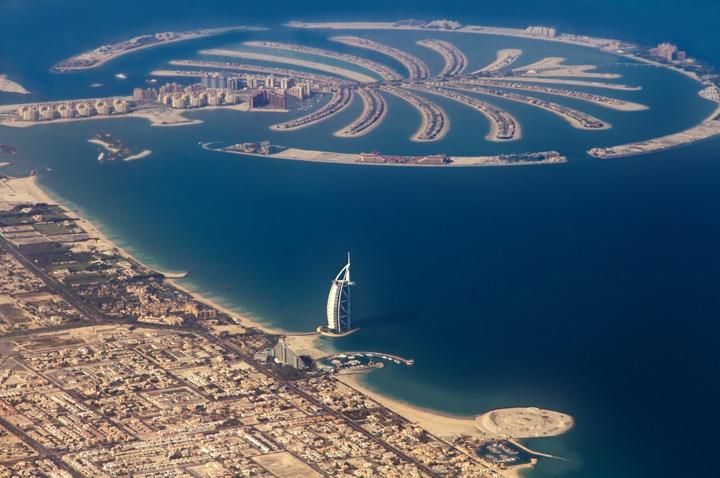 Dubai Palm Jumeriah Insula artificiala din Dubai, amenintata de incendiu
