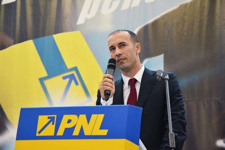 Iulian Dumitrescu 3 720x480 PNL e plin de candidati PeNaLi