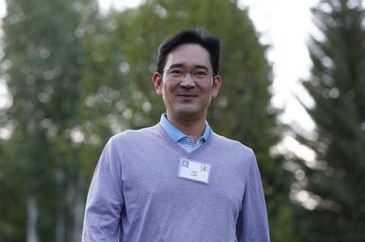 Jay Y. Lee 46 Samsung a dat mita un cal