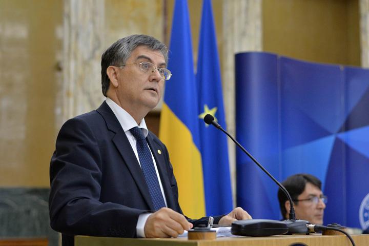 """Mircea Dumitru Seful """"Comisiei de Plagiat"""", mai tare ca """"scriitorii"""" din puscarii!"""