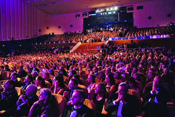 Sala Grande Palazzo del Cinema 11 Ordonante de urgenta smenuite la Guvern dupa alegeri!