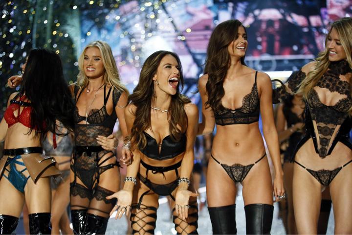 Vic MARE Show ul Victoria's Secret, lipsit de stralucirea de altadata