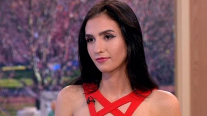 "alexandra 96481800 Romancuta care isi vinde virginitatea are ""clienti"" garla"