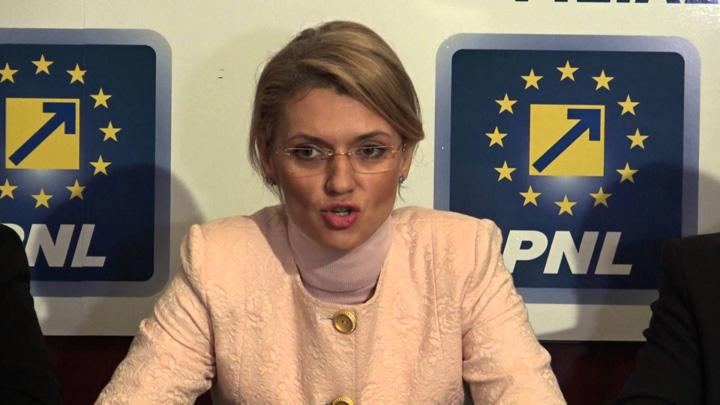 alina gorghiu Gorghiu viseaza la o demisie colectiva