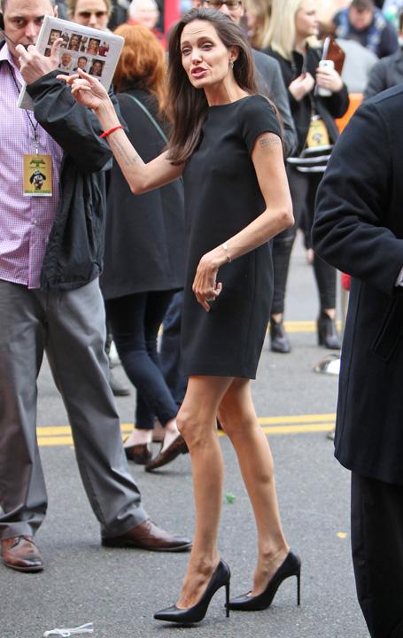 angiem 2645884a Angelina Jolie a ajuns la 34 de kilograme!