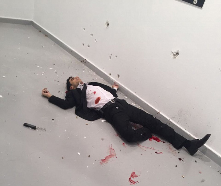 asasin mort Asasinul lui Karlov l a pazit de 8 ori pe Erdogan