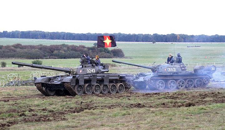 atac11 Tancurile rusesti au invadat Estonia