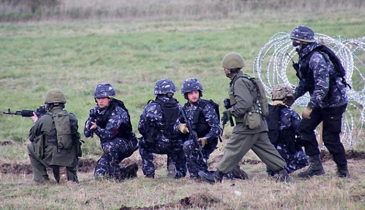 atac3 Tancurile rusesti au invadat Estonia