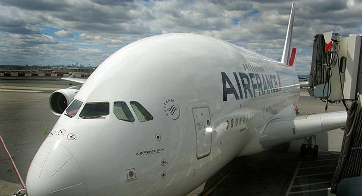 avion Cum sunt spionati pasagerii marilor companii aeriene