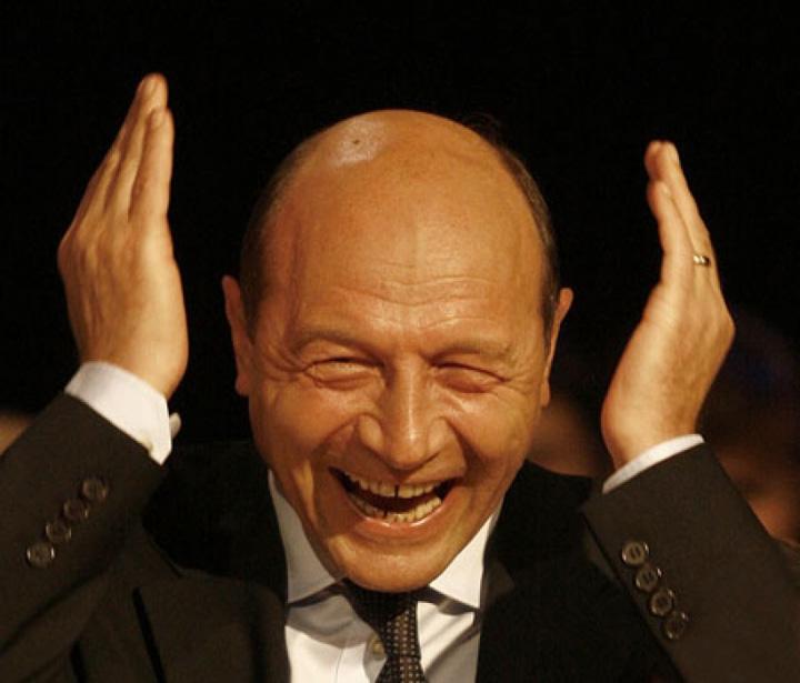 basescu nebun Golanul politic Basescu