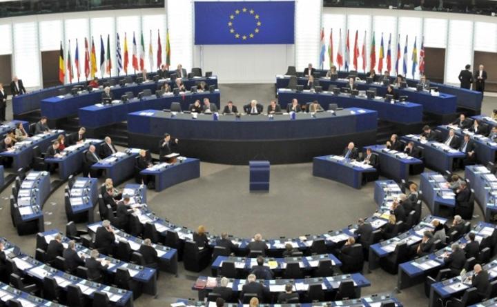 """comisia eu """"Bruxelezii"""" lui Ciolos, luati de la glezne!"""
