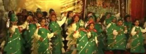 craciu Momente amuzante cu prichidei cantand la spectacole de Craciun (VIDEO)