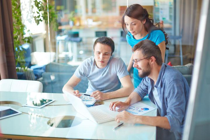 digital consulting Tinerii care freaca menta pot lua 30.000 de euro pentru o afacere