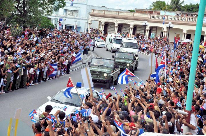fidel1 Galiganul revolutiei cubaneze, plimbat intr o cutiuta