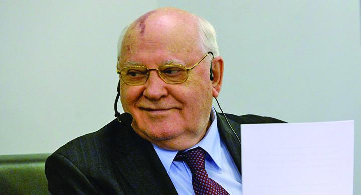 gorbaciov Rex Tillerson, un petrolier mai aproape de benzinaria Rusia