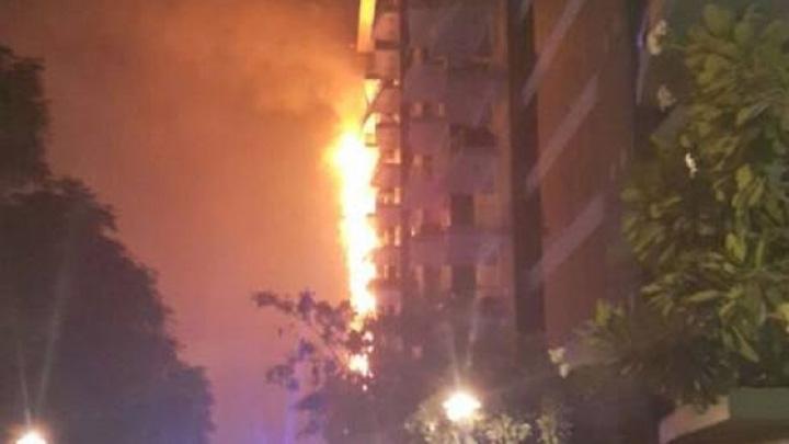 incendiu Dubai Insula artificiala din Dubai, amenintata de incendiu