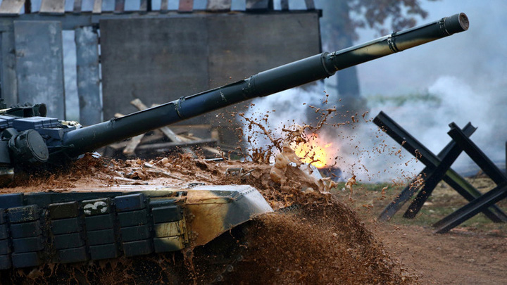 invazie Tancurile rusesti au invadat Estonia