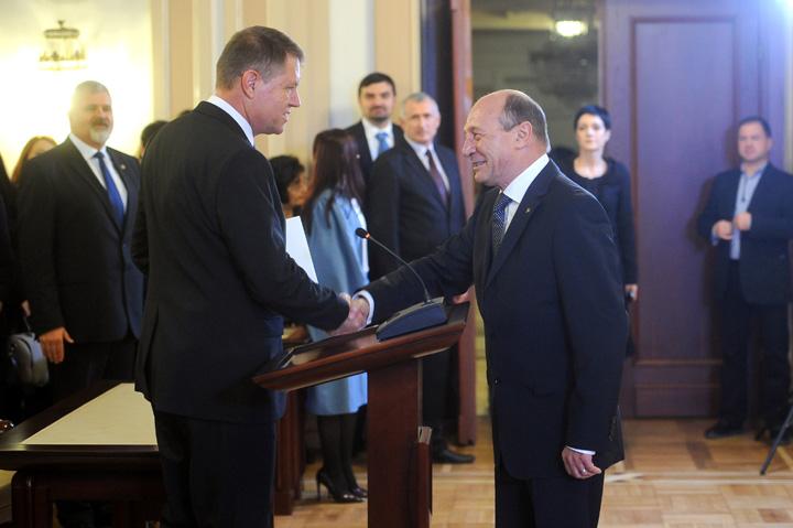 iohannis basescu1 Amantlac fortat Iohannis Basescu
