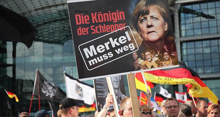 merkel4 Pleaca, Merkel!