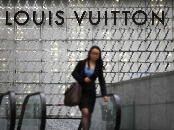 ouis vuitton sign in china Piramida luxului, noile tendinte