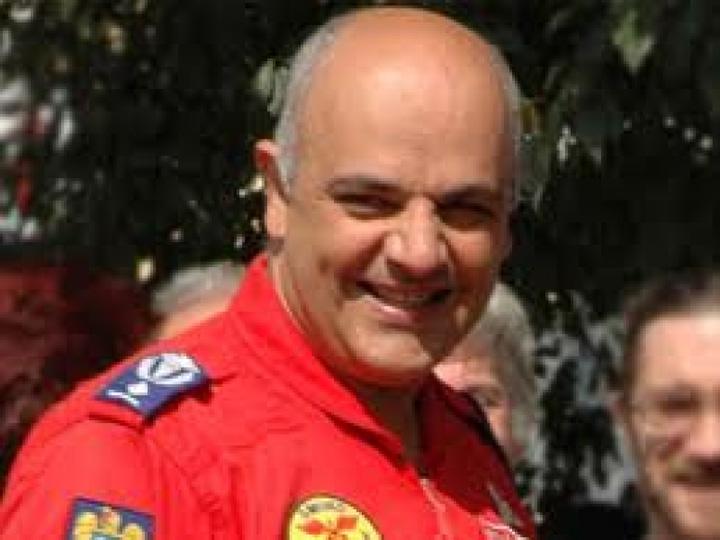 """raed """"Papionul"""" lui Ciolos separa pompierii de asistente!"""