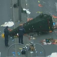 targ Targul de Craciun berlinez, redeschis la trei zile de la masacru