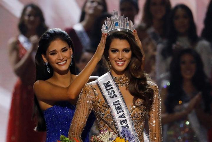 1485727200 miss universe 2016 O frantuzoaica, incoronata Miss Univers!