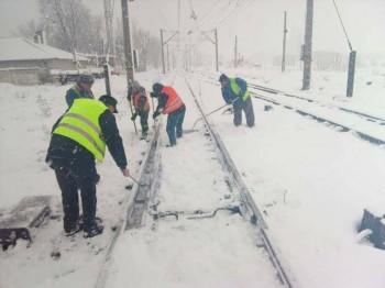 15873086 1897803767114505 4371485779588636339 n cfr 350x262 Ce trenuri sunt anulate marti, 11 decembrie. Lista contine 64 de garnituri