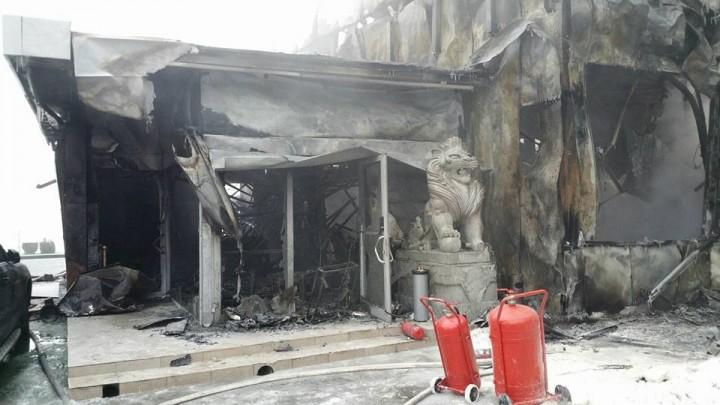 16174901 1763065457052672 3489478648485397755 n incendiu 6 720x405 Urmarile dezastrului din clubul Bamboo (FOTO)