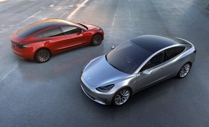 2018 tesla model 3 inline1 photo 667421 s original Din cauza traficului, seful Tesla isi trage tunel