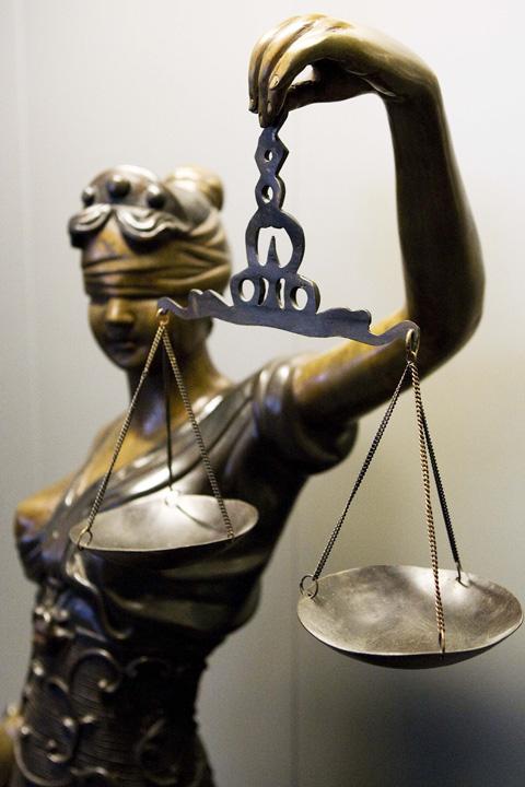 290409 justitie justitia anp 9679317 2 1 Balanta defecta a Justitiei