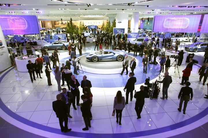461487964ford Umbra lui Trump planeaza la Salonul Auto din Detroit