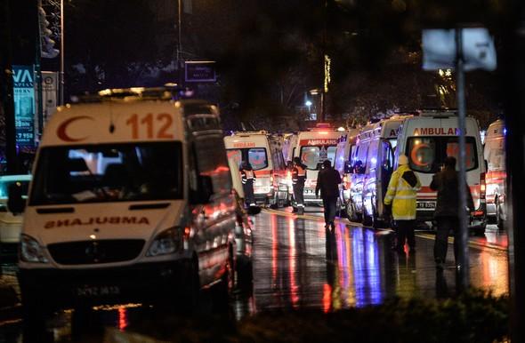 586851cc18c77312d0dbd7b41 Masacru pe Bosfor de Anul Nou: 39 de persoane impuscate de un terorist imbracat in Mos Craciun