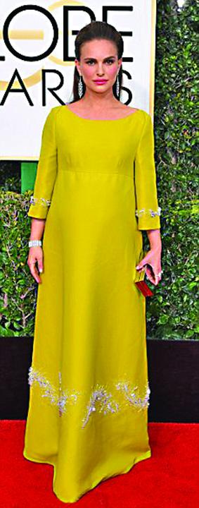 BUNA NATALIE portman Meryl Streep a invins Globurile de Aur