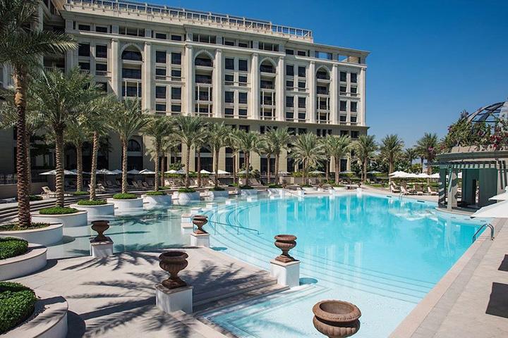 DUBAI versace 1 Hoteluri pe care e musai sa le vezi in Dubai